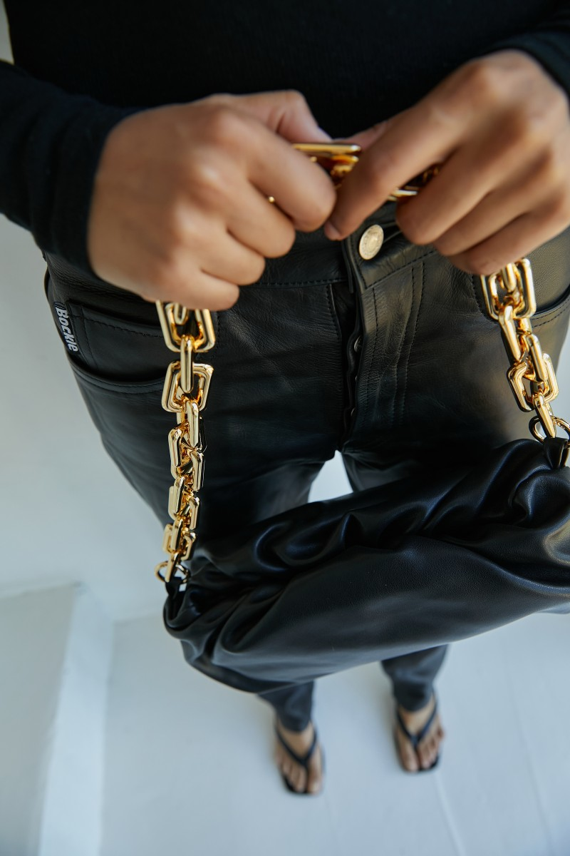 Сумка pouch real leather chain black